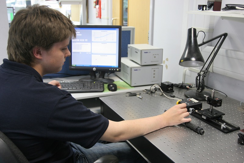 Our Renishaw laser interferometer is used in a variety of setups. Here, an engineer is recording test data on the linearity of a motorized translation stage.